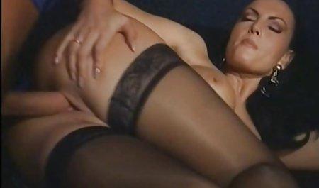 007 는 태블릿 erotika 비디오 아래에 있습니다.